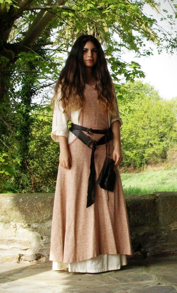 Vestimenta medievo, mujer con oficio